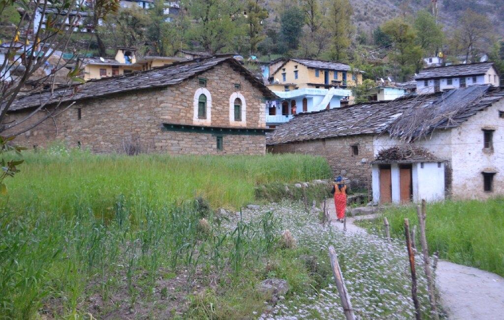 Deoriatal-trek-Sari-village-architecture-Indiahikes-1024x650_c