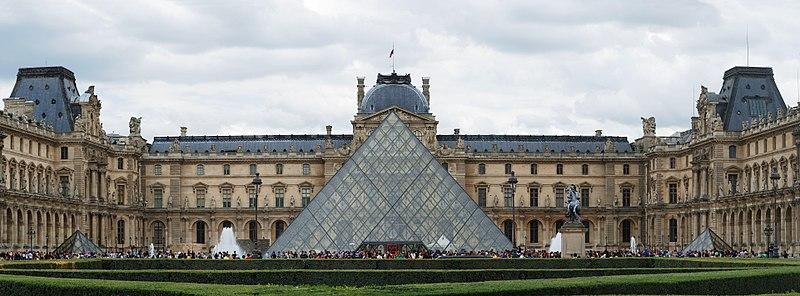 800px-Paris_July_2011-27a